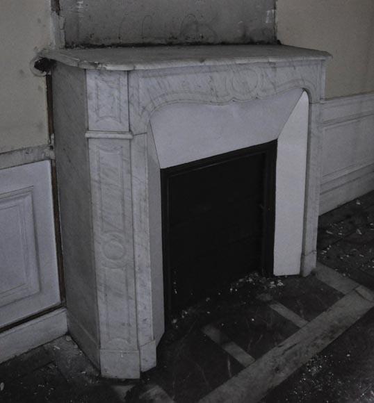 chemin e ancienne de style louis xv mod le pompadour en marbre blanc de carrare marbre. Black Bedroom Furniture Sets. Home Design Ideas