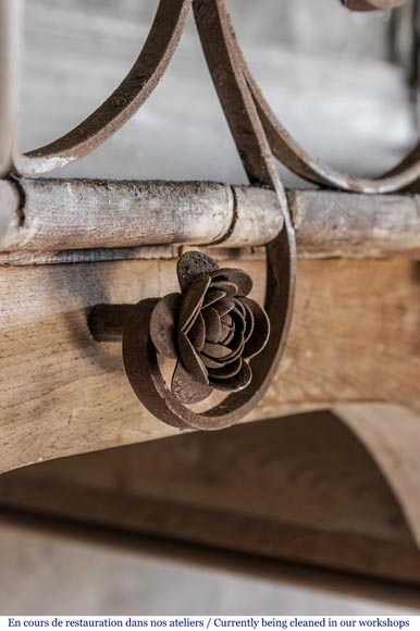 bel escalier en colima on et rambarde en fer forg d cor. Black Bedroom Furniture Sets. Home Design Ideas